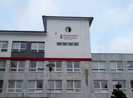 Zdravotníkům Podhorské nemocnice pomáhá při manipulaci s pacienty nový zvedák